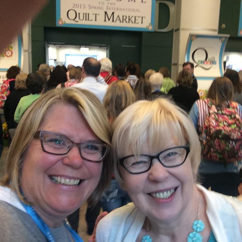 Photo of Bev and daughter Laurie at the Quilt Market